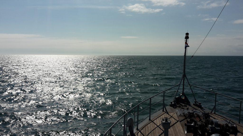 Korpsschip op zee